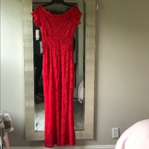 Stunning red formal dress Size 5/6